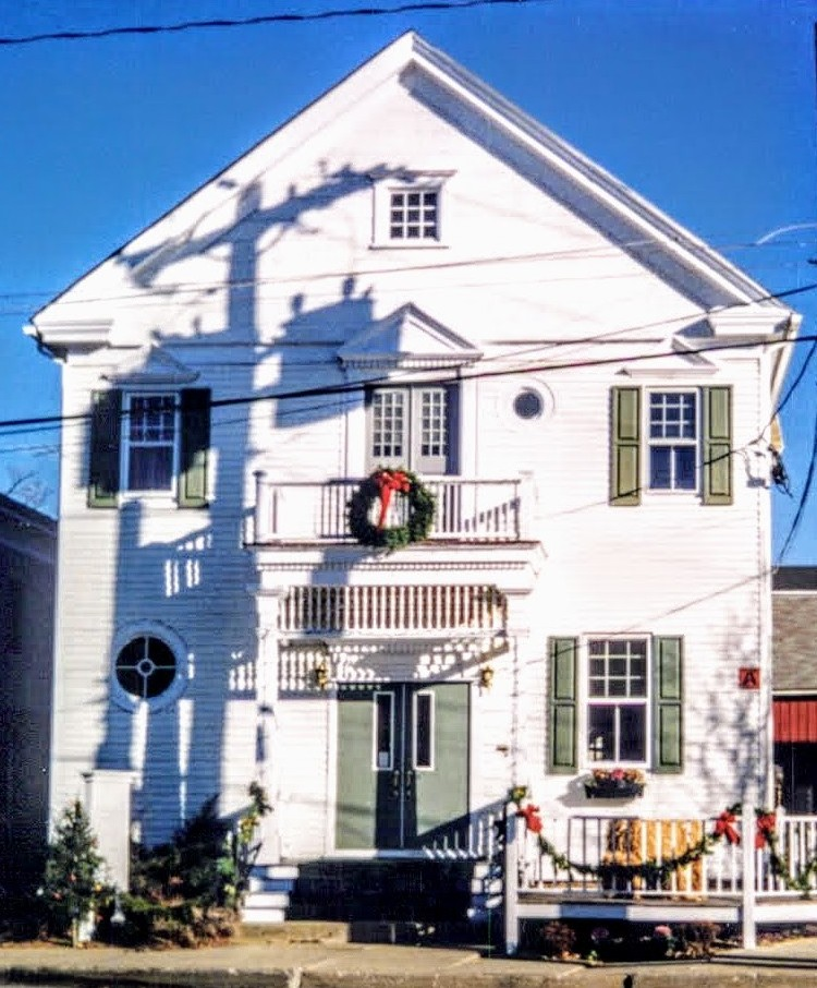 Bank of Millbrook in Millbrook, New York decorated for Christmas.
